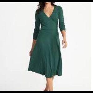 Old Navy fit & flare bracelet sleeve Green dress